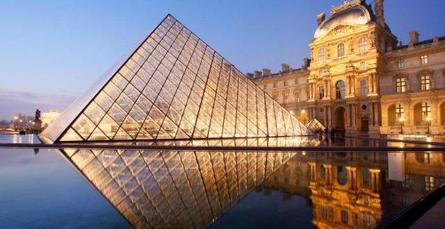 Лувр ги отворa своите врати за посетителите во понеделник