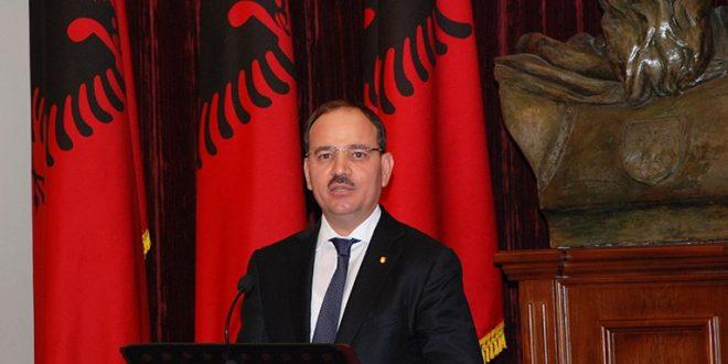 Нишани ги обвини српските политичари дека се враќаат во времето на Милошевиќ