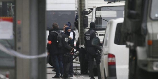 Двајца приведении  осомничени за поврзаност со нападите во Париз и Брисел