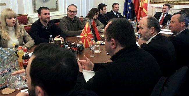 ИК на ВМРО ДПМНЕ  Груевски да почне разговори за нова влада
