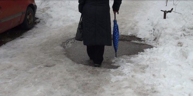 (ВИДЕО) 300 лица со скршеници поради мразот на тротоарите, дневно и до 5 операции на ортопедија во Битола