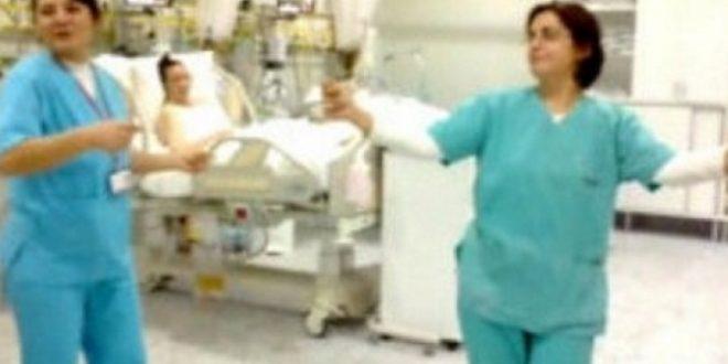 Срамотни кадри  Лекарите играат чочек меѓу пациенти во критична состојба