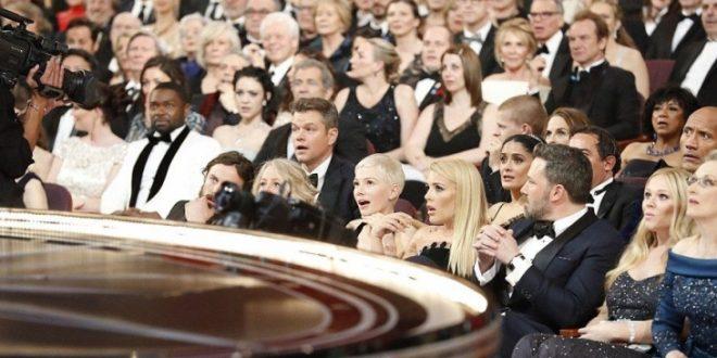 """Што им се случи? Еве ги воодушевените Мет Дејмон, Двејн Џонсон и Мерил Стрип од гафот на """"Оскарите"""""""