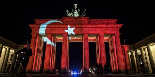 136 турски дипломати побараа азил во Германија