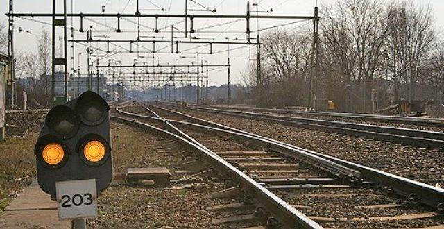 Железничкиот сообраќај се уште во прекин