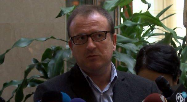Села му прати на Заев нов предлог за албанскиот јазик