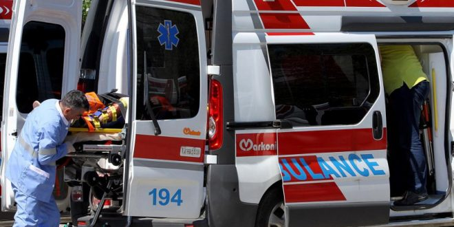 Жена и дете од Радовиш повредени откако во нив удрил автомобил
