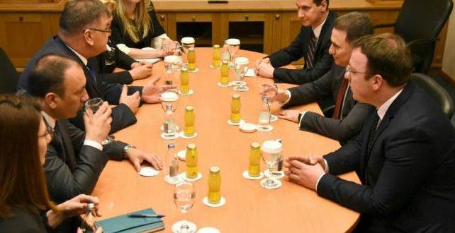 Груевски   Иваниќ  Односите помеѓу двете земји се пријателски и со взаемно разбирање