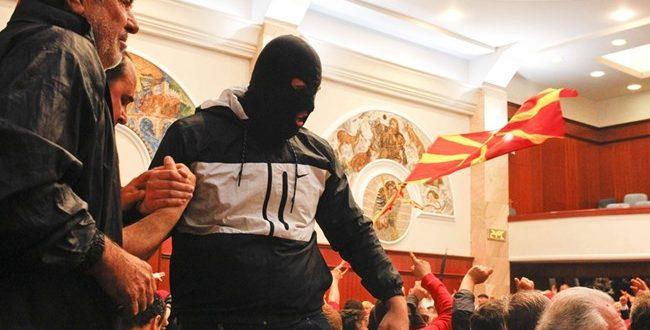 Ордановски и Ангелов: Вчерашните нереди се голем срам за Македонија