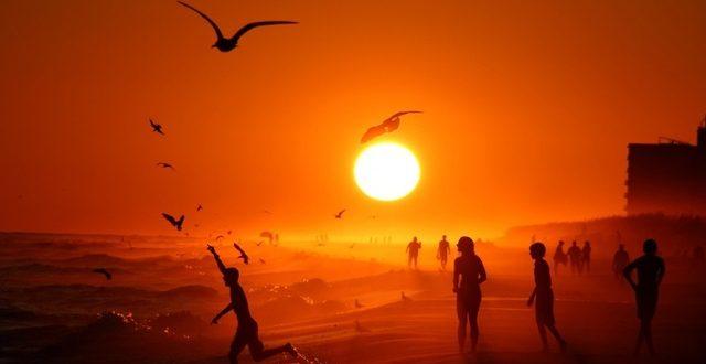 Американски научници: Ковид-19 нема да исчезне со затоплување на времето