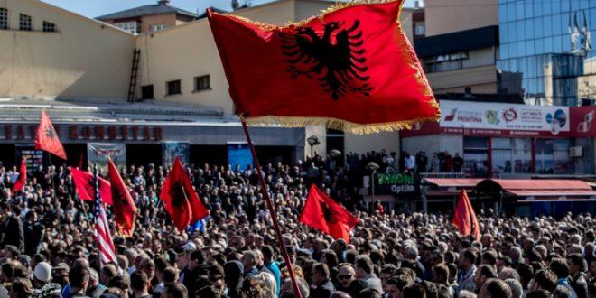 Албанската опозиција најави радикализација на протестите
