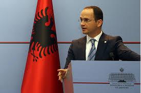 Бушати  Тирана не се меша туку пријателски советува и е бедем на руското влијание на Балканот