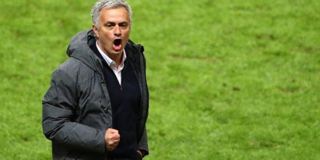 Јунајтед ќе му понуди на Мурињо нов петгодишен договор