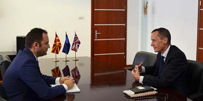 Македонија може да смета на британска поддршка за ЕУ и НАТО