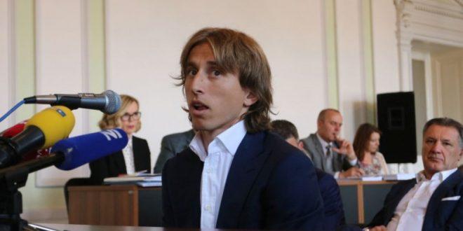 Лука Модриќ осомничен за лажно сведочење