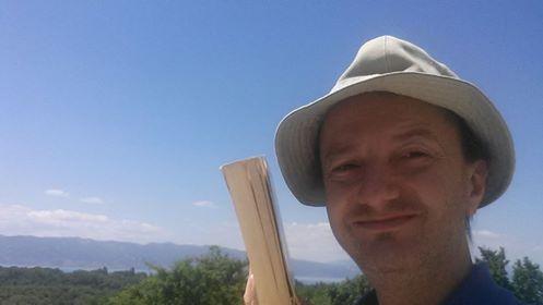 Ноца збирка поезија  Печатот на вистината  од Игор Поп Трајков во издание на  Македоника