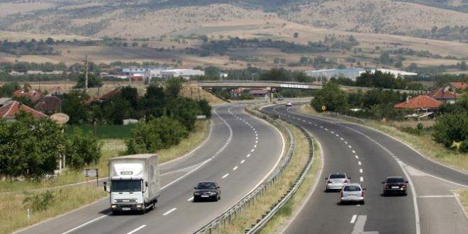 Сообраќајот на државните патишта се одвива по суви коловози