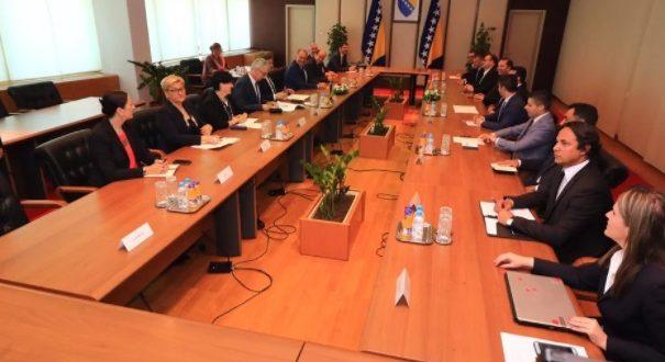 Делегациите на Македонија и на БиХ потпишаа спогодби за соработка