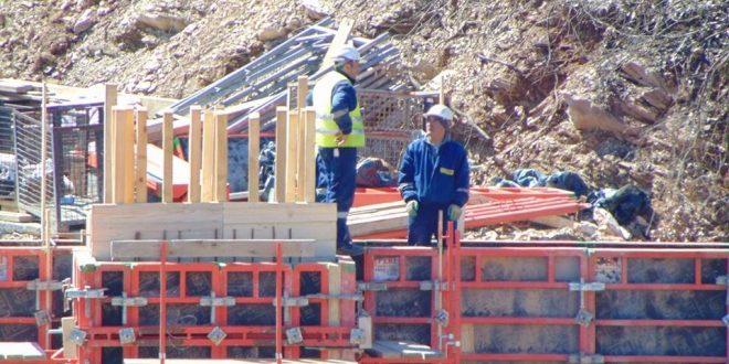 Градежен работник загина од струен удар