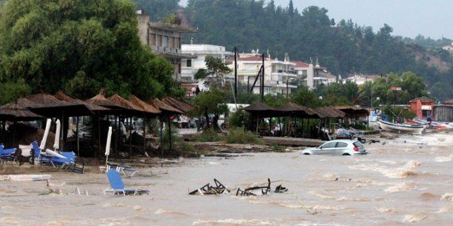 Поројни дождови и поплави гo погодија северниот дел на Грција