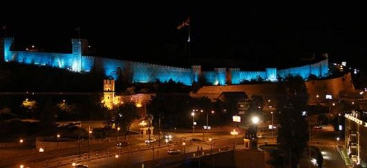 Калето во Скопје во боите на УЕФА Супер Купот