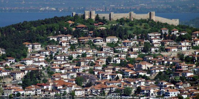 Сопственици на 3 угостителски објекти на охридското крајбрежје заработија кривични