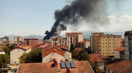 Локализиран пожарот во депонијата во Тетово