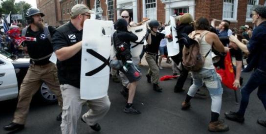 Вонредна состојба во Шарлотсвил по демонстрациите против статуа на генерал од граѓанската војна во САД