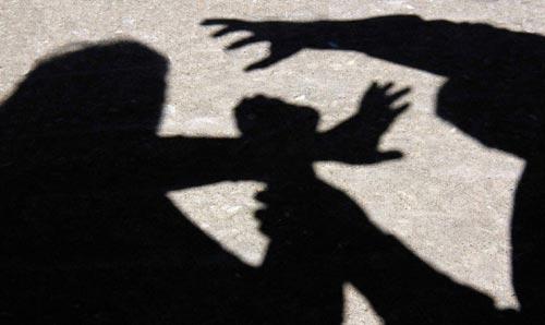 Тепачка со тупаници, ножеви и тврди предмети во Тетово, еден потешко повреден