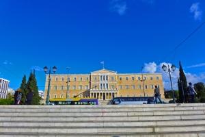 Маркетинг  стартна позиција или реалност  Атина ги враќа тврдите позиции во игра