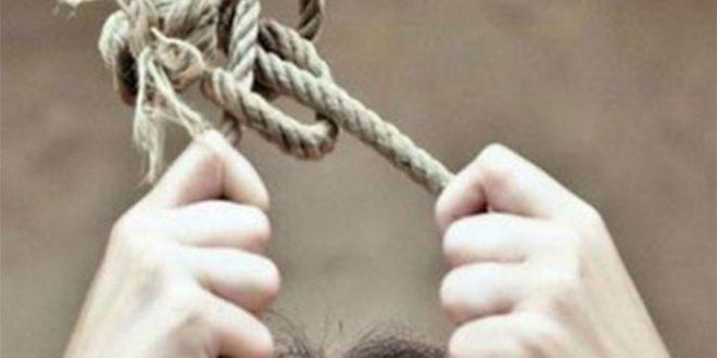 Се обесила со електричен кабел врзан на греда
