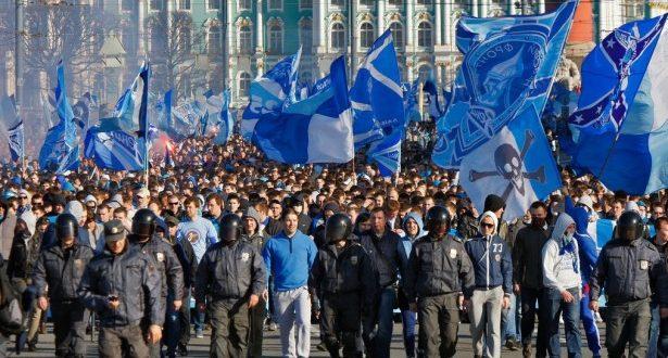 Предупредување  Навивачите на Зенит не смеат сами кон стадион  не се впуштајте во  коштец  со руските фанови