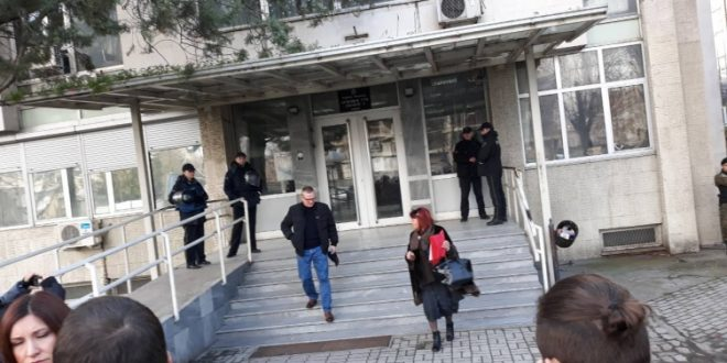 Строг настап на судијката во  Тотал   Латас во судница тивок  надвор ја нарече брутална