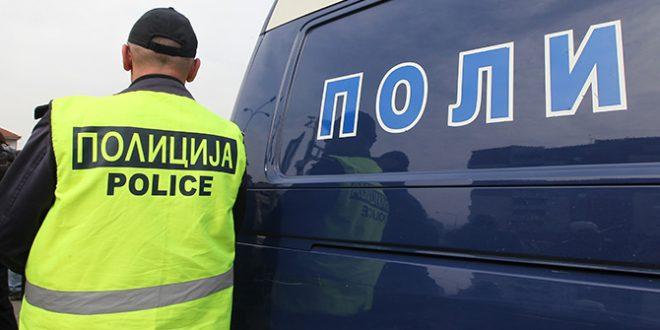 Скопјанка била следена од непознати лица по состанок во политичка партија