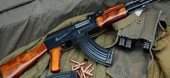 Приведен кичевчанец   во џип се обидел да скрие арсенал со оружје