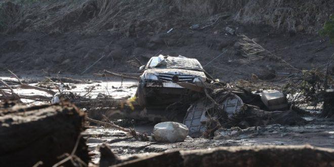 Калифорнија  брои жртви по лизгањето на земјиштето