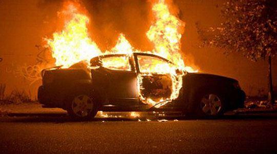 Изгоре  Пежо 306  во Прилеп  Го претепале сопственикот  па му го запалиле возилото