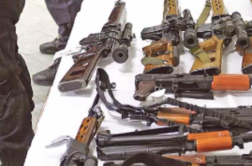 Арсенал од оружје најден во паркирано возило кај  Сити мол   приведени тројца прилепчани