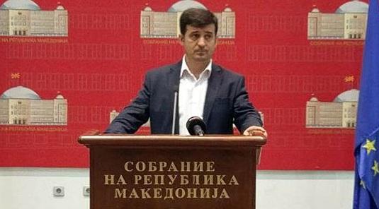 Зендели  Беса гласаше за законот за употреба на јазиците  иако не го официјализира албанскиот јазик