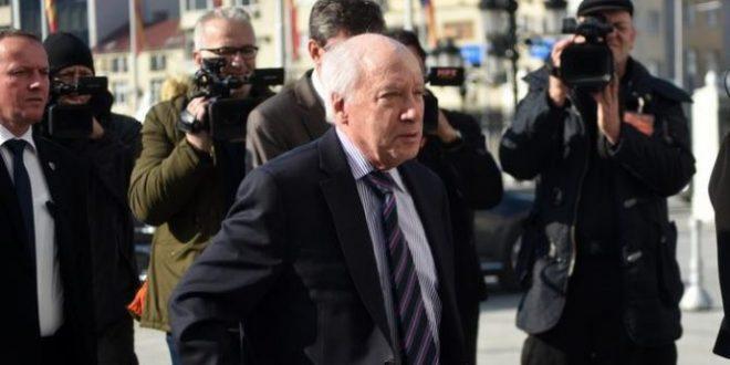 Колку преговарачи има Македонија во спорот за името