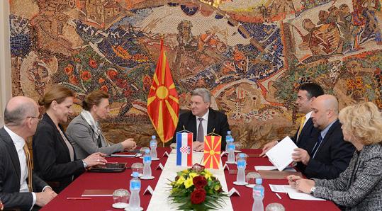 Иванов се срeтна со заменик претседателот на хрватската Влада  Пејчиновиќ Буриќ
