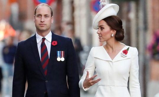 Кралицата дарежлива, Вилијам доби нова титула