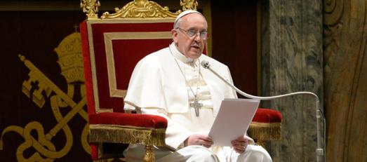 Папата ја повика меѓународната заедница да реагира решително и брзо за прашањето со мигрантите