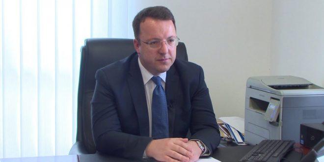Николовски: Законот е изгласан, а каква е содржината ќе се цени доколку се отворат преговорите