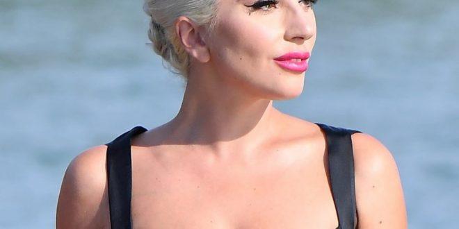 Гага е копија на нејзината мајка, двете објавија книга заедно (ФОТО)