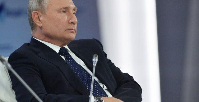 Песков: Путин се тестира на Ковид-19 колку што е потребно