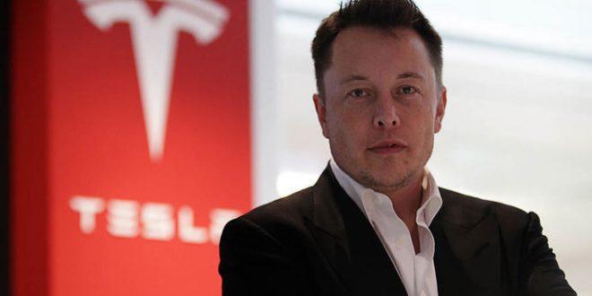 """Вредноста на """"Тесла"""" падна за 50 милијарди долари"""