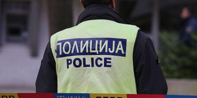 Момчиња од Кочани со секири им се заканувале на полицајци