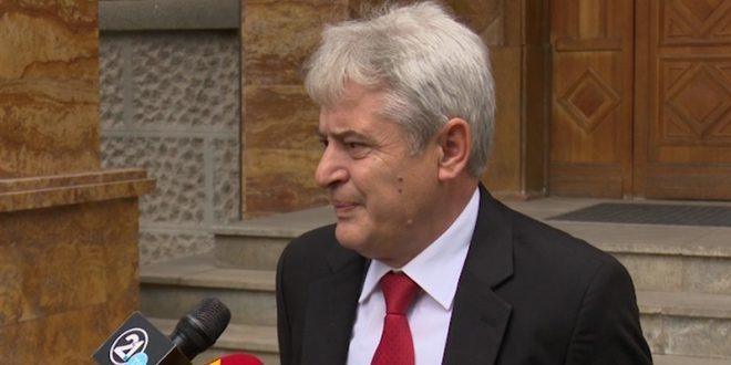 Ахмети: Отворени сме да дебатираме за тоа зошто не може премиер да биде Албанец
