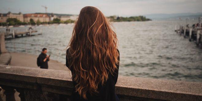 Рицинусово масло: Вистинско богатство за нега и побрз раст на косата